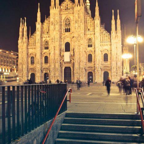 """""""LA MADONNA CON LE CORNA"""" Milano"""